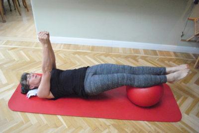 stabilitet på pilates boll: grund position